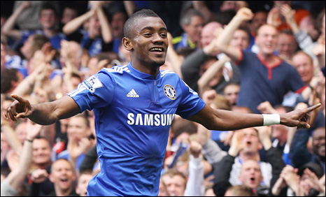 Salomon Kalou celebrates after scoring Chelsea's first goal