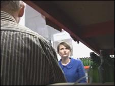 Kirsty Williams visiting an organic apple juice farm
