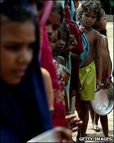 Food aid queue, India (Getty Images)