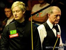 Neil Robertson (left) and Steve Davis
