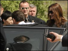 French President Nicolas Sarkozy, left, and Carla Bruni-Sarkozy, right, arrive at the museum of terracotta warriors in Xian, China, 28 April 2010