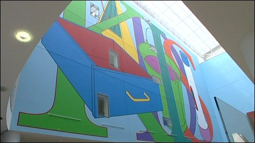 Wall painting by artist Michael Craig-Martin