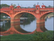 bridge in Lucknow