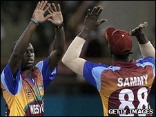 Kemar Roach and Darren Sammy