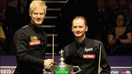 Neil Robertson and Graeme Dott shake hands before the World Championship final