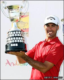 Alvaro Quiros celebrates victory in Seville