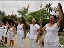 Ladies in White protesting on 2 May 2010