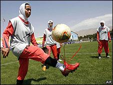 Iranian female footballer (June 2009)