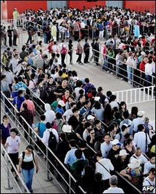 Queues to enter the Chinese pavilion at the World Expo in Shanghai on 3/05/2010