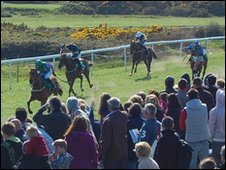 Horse racing at L'Ancresse Common