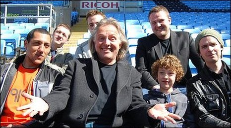 Rik Mayall with the band 91db, who have remixed his Noble England single