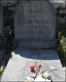 Sir Gilbert's grave in San Sebastian, courtesy of Terry Dean