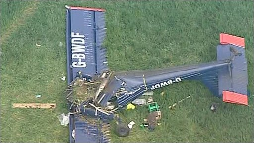 UKIP's Farage hurt in plane crash