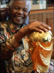 Nelson Mandela with Fifa World Cup trophy