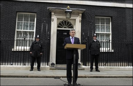 Gordon Brown y tu allan i Downing Street