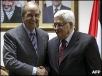 US Middle East envoy George Mitchell and Palestinian Authority President in Ramallah (7 May 2010)