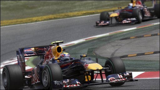 Mark Webber is closely followed by Sebastian Vettel