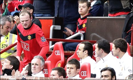 Wayne Rooney is substituted against Stoke