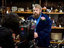 Brian Blessed being filmed on the set of Mr Bojagi
