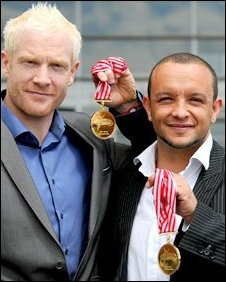 Jamie Baulch and Iwan Thomas with their medals