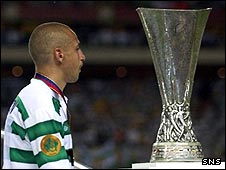 A disconsolate Henrik Larsson at the Uefa Cup final in 2003