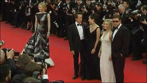 The cast of Robin Hood on the red carpet