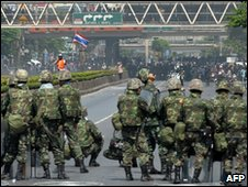 Troops on the streets in Bangkok on 14 May 2010