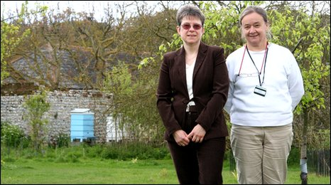 Fiona Lilley (left) and Elaine Gibbs, Norfolk bee keepers at Felbrigg Hall