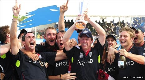 IMAGE(http://newsimg.bbc.co.uk/media/images/47859000/jpg/_47859980_trophy466getty.jpg)