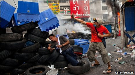 Red-shirt protesters in Bangkok, Thailand (16 May 2010)