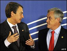 Spanish PM Jose Luis Rodriguez Zapatero (left) and Chilean President Sebastian Pinera in Madrid, 17 May 10