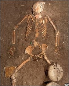 Skeleton of a woman found in a Mexican tomb