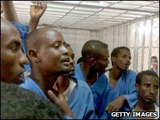 Caged somali pirates in a Yemeni court (picture 18 May 2010)