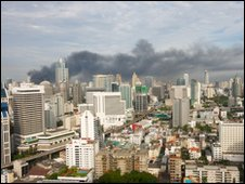 Central World on fire Wednesday 0750 (GMT 1240), shot from an apartment in Sukhumvit Road, Bangkok. Photo: Pascal P.