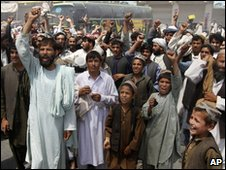Afghan protesters shout anti-American slogans in Kandahar