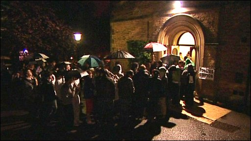 Queues outside a polling station in Sheffield