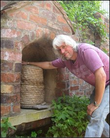 Work on a bee hive