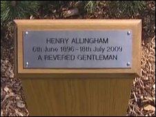 Henry Allingham's plaque