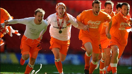Blackpool players celebrate their Championship play-off win