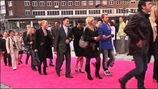 Contestants on the pink carpet