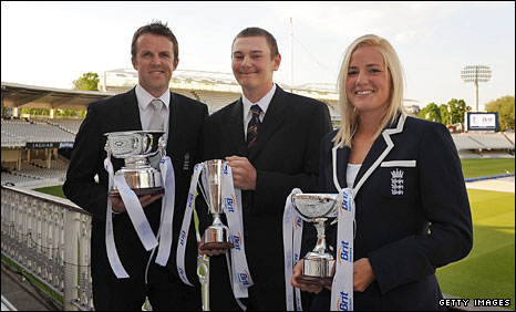 Award winners Graeme Swann, Chris Edwards and Katherine Brunt