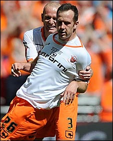Stephen Creaney and Charlie Adam celebrate at Wembley