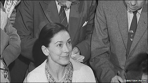 Margot Fonteyn returns to Britain two days after her release from Panama City Jail