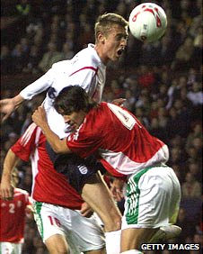 Peter Crouch (l) and Peter Halmosi