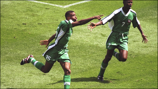 Sunday Oliseh celebrates his winner against Spain in 1998