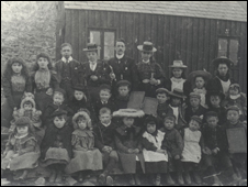 Nantgwrtheyrn school children