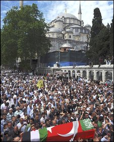 Funeral service at Istanbul's Fatih Mosque for those killed when Israeli naval commandos raided the convoy