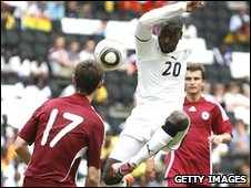 Quincy Owusu Abeyie strikes against Latvia
