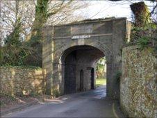 Fort George gate