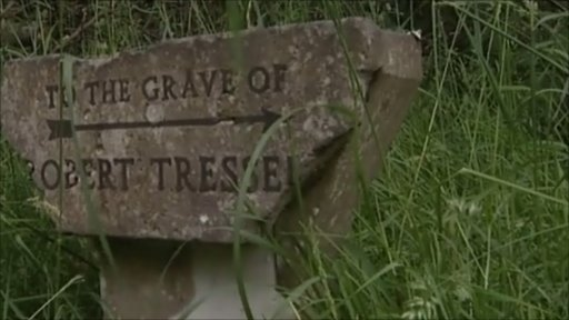 Sign pointing to Robert Tressell's grave